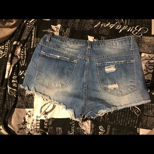 Hollister Shorts - 2 pairs of shorts. One Hollister &one forever 21